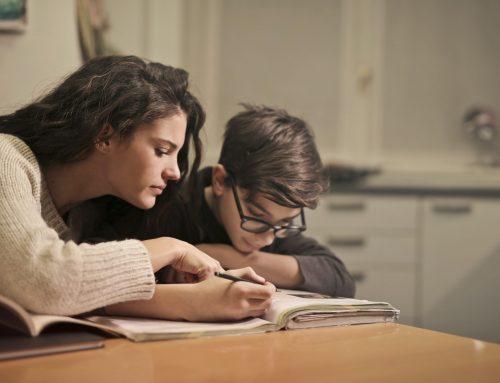 Homeschooling und Homeoffice: Besondere Belastungen für Eltern